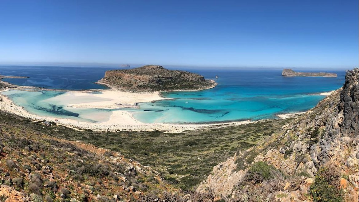 Besides being a refuge for the monk seal and Caretta turtle, Balos Beach is also a sight for sore eyes for adults