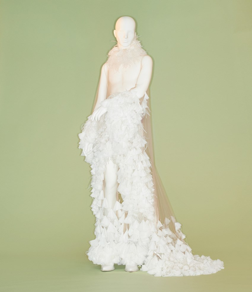 Palomo Spain is the Spanish name that will find its place in the MET with this wedding dress, part of the Hotel Palomo collection from the Córdoba-born designer