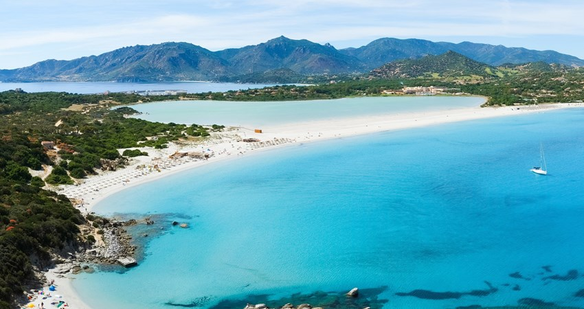 Take advantage of the May long weekend to relax on the paradisiacal beaches of Sardinia.