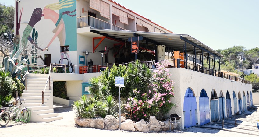 At the Los Enamorados hotel, everything you see is for sale. Just add it to the bill