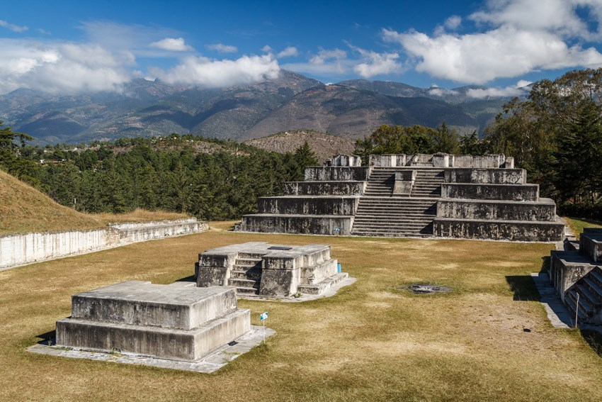 Zaculeu, along with the city of Huehuetenango, is one of the Mayan cities you must take in on your trip to Guatemala.