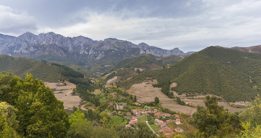 The Hayedo de las Ilces – perfect for a family trek through the Picos de Europa – passes through the Camaleño Valley.