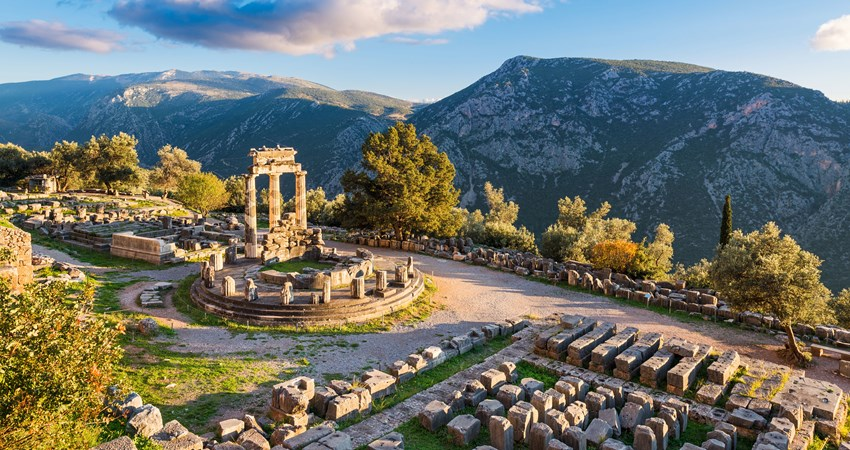 The ancient city of Delphi is located on a spectacular cliff and is an unmissable element in the story of Ancient Greece.